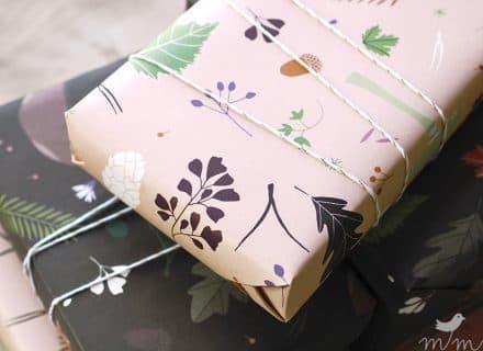 Geschenkpapier Waldboden rosé schwarz